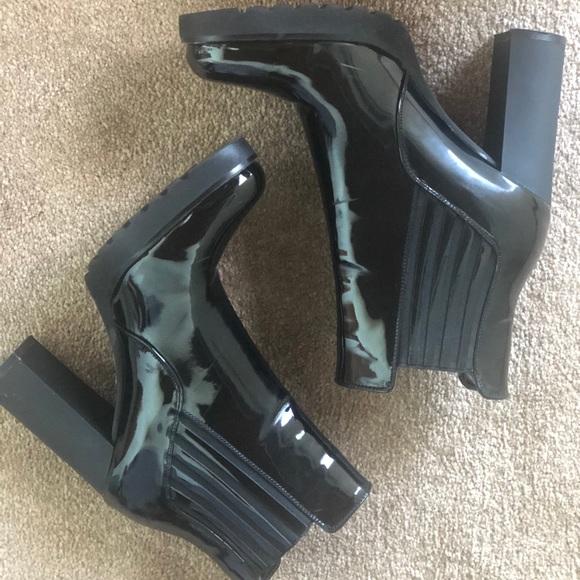 Shoes - Black women's boots